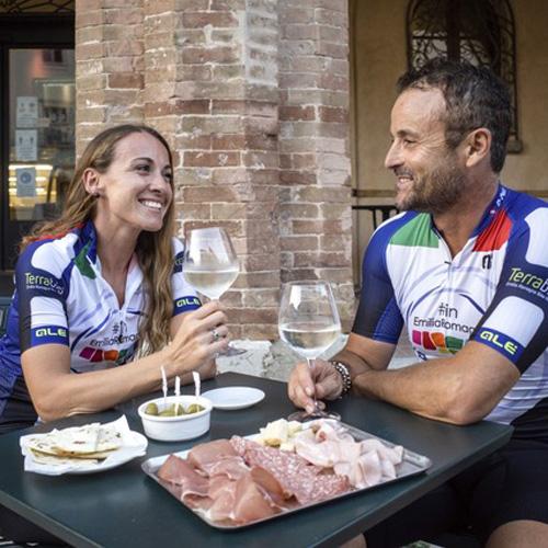 itinerari ciclo gastronomici romagna riccione hotel doge